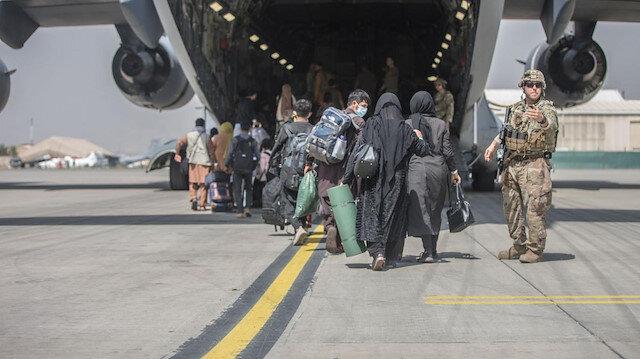Beyaz Saray Afgan mültecileri ABD'ye getiren uçuşların neden durdurulduğunu açıkladı: Kızamığa rastladık