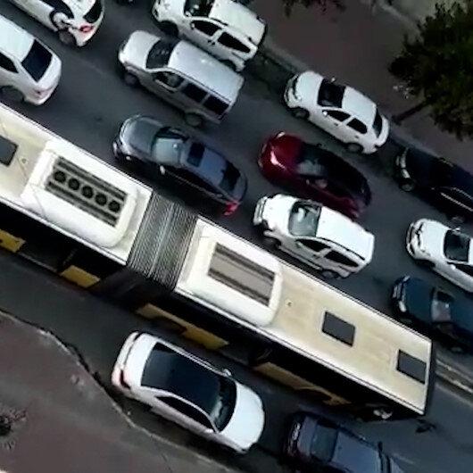 Sultangazide işlek cadde üzerinde arızalanan İETT otobüsü trafiği felç etti