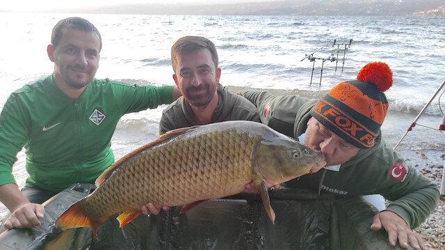 Sapanca'da 16 kilo 200 gramlık sazan avı