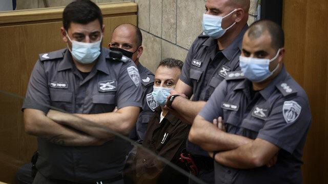 İsrail hapishanesinden kaçtıktan sonra yakalanan dört Filistinli mahkemeye çıkarıldı