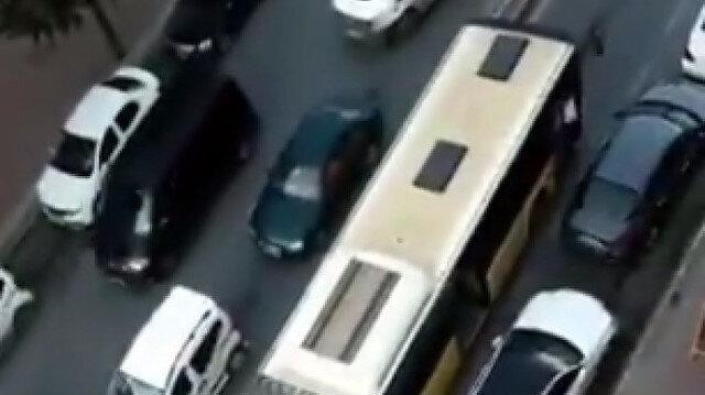 İETT otobüsü yine yolda kaldı: Sultangazi'de trafik kilitlendi