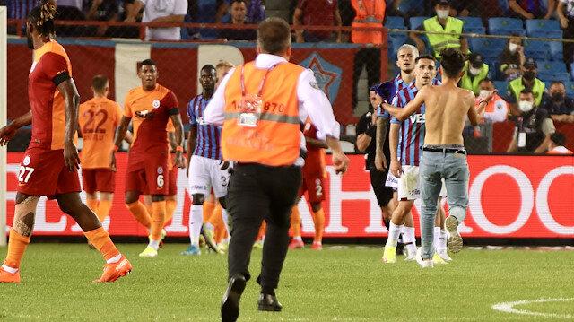 Derbide şaşkına çeviren olay: Yıldız futbolcu gözyaşlarına boğuldu
