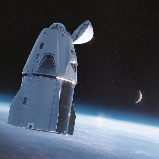 Uzay turizminde yarış kızışıyor: SpaceX'in yolcuları 3 gün boyunca dünya çevresinde tur atacak