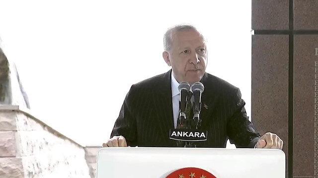 Cumhurbaşkanı Erdoğan: Milli iradenin gücünün önünde darbelerin duramayacağını cümle aleme gösterdik