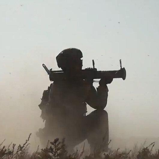 Azerbaycanda Üç Kardeş 2021 tatbikatında silahlar ateşlendi