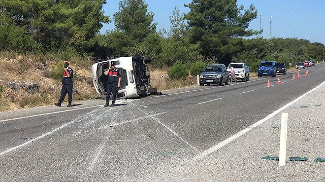Muğla'da Ukraynalı turistleri taşıyan otobüs ile öğrenci servisi çarpıştı: Bir kişi öldü, 35 kişi yaralandı