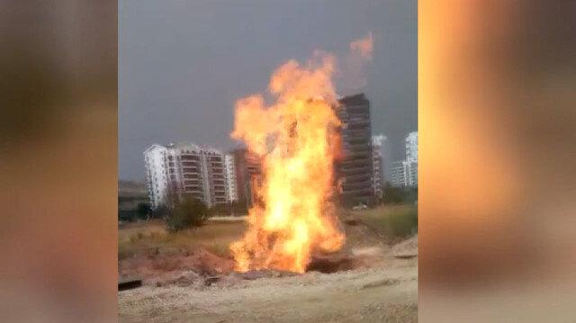 Ankara'da delinen doğal gaz borusu alev aldı
