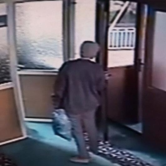 Kadıköy'de tarihi camiyi yakmaya çalıştı: O anlar güvenlik kamerasında