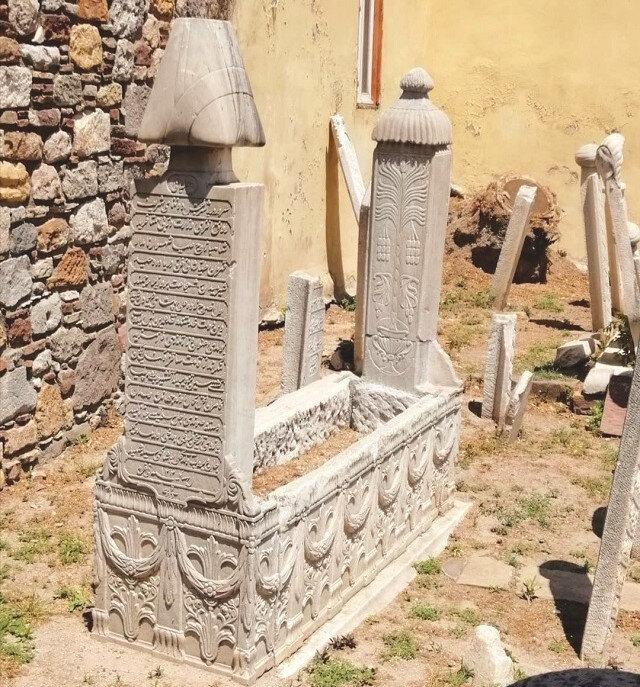 Nasuhzade Ali Paşa'nın Sakız adasında bulunan kabri.