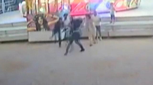 Kocaeli'de lunaparkta balerine binme kavgası kamerada
