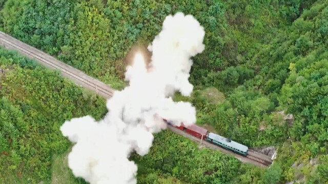 Kuzey Kore'den sıra dışı füze denemesi: Trenden fırlatıldığı anlar böyle görüntülendi