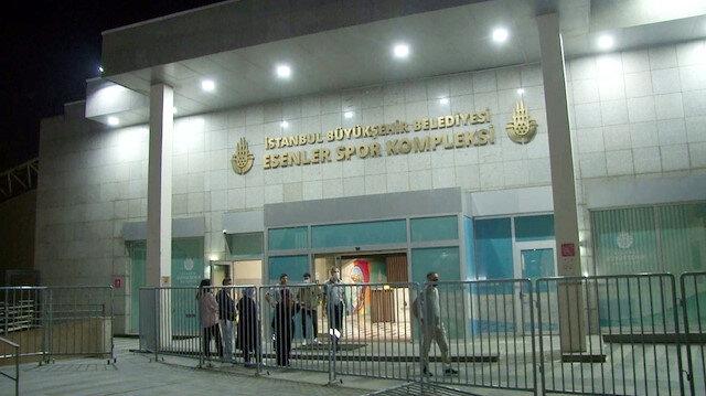 İBB Esenler Spor Kompleksi yüzme havuzunda boru patladı: Aşırı klordan 5 kişi hastaneye kaldırıldı