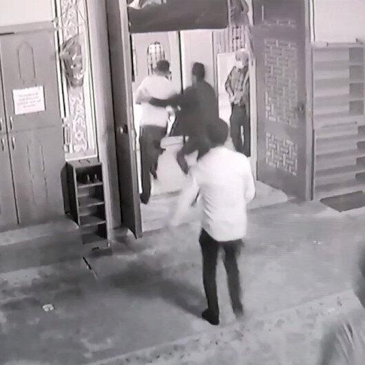 Sultangazide madde bağımlısı şahıs imama sopayla saldırdı