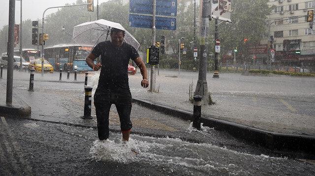 Meteorolojiden hafta sonu uyarısı: İstanbul dahil 16 ilde kuvvetli yağacak