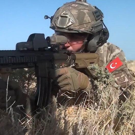 Azerbaycan'da Üç Kardeş 2021 tatbikatında özel kuvvetler temsili düşman hedeflerini yok etti