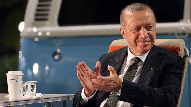 Cumhurbaşkanı Erdoğan gençlere seslendi: Sosyal medya belasından mümkün oldukça sıyrılalım