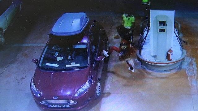 Tokat'ta aracına yakıt alan Rumen kadının garip hareketlerine kimse anlam veremedi