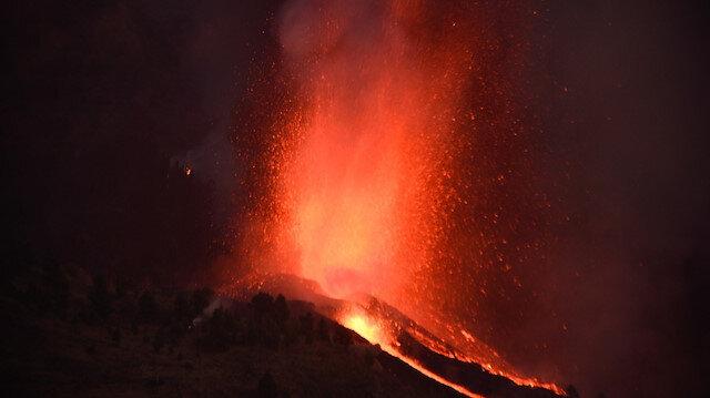 Kanarya Adaları'nda yanardağ patladı: 5 bin kişi tahliye ediliyor