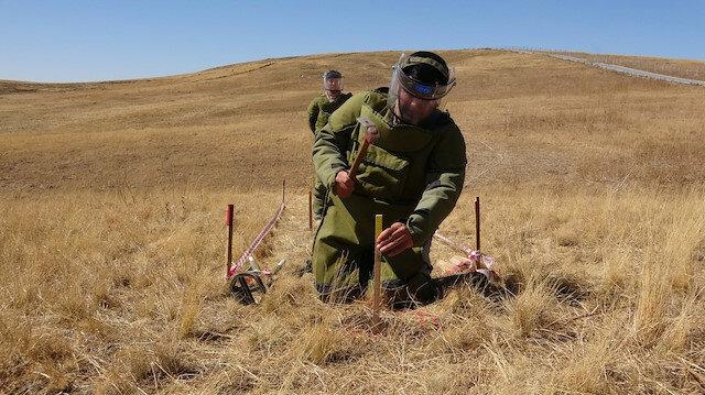 İran sınırında zorlu görev: 4 bin 784 mayın tespit ederek imha edildi