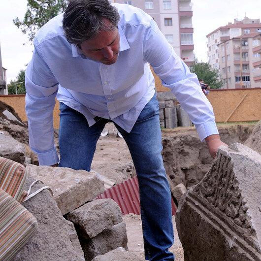 Kayseri'de 8 asırlık mezarlıkta yapılan kazı tamamlandı: Eyvan tipi kümbet çıktı