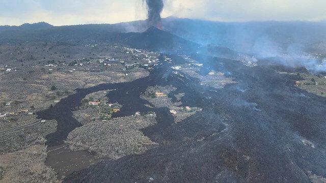 Kanarya Adaları'nda lavların yuttuğu evler havadan görüntülendi