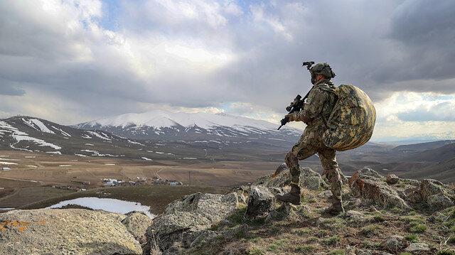 Terör örgütüne ağır darbe: 11 PKK'lı öldürüldü