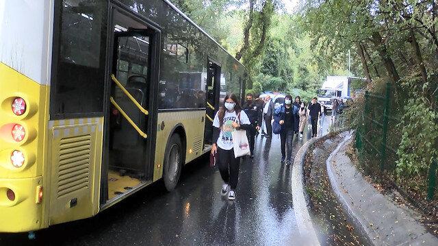 Sarıyer'de İETT otobüsü iki otomobile çarptı: Öğrenciler okula yürüyerek gitti