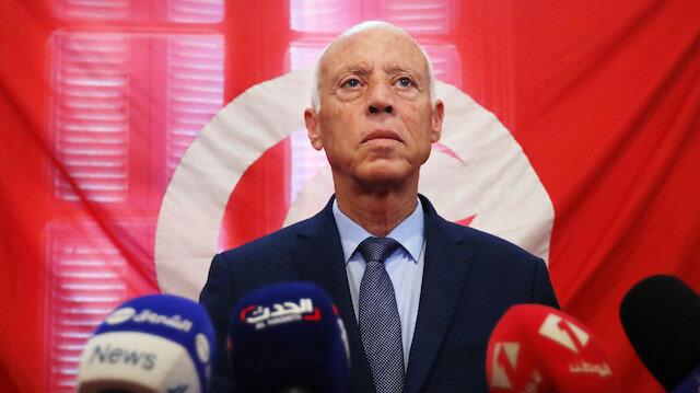Tunus Cumhurbaşkanı son kararlarıyla Anayasa'yı askıya almış oldu