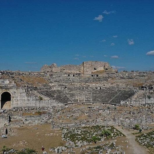 """اكتشاف منزلين أثريين في """"مدينة الفلاسفة"""" غربي تركيا"""