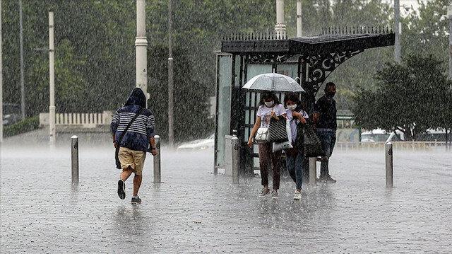 Meteoroloji'den beş bölgeye sağanak yağış uyarısı