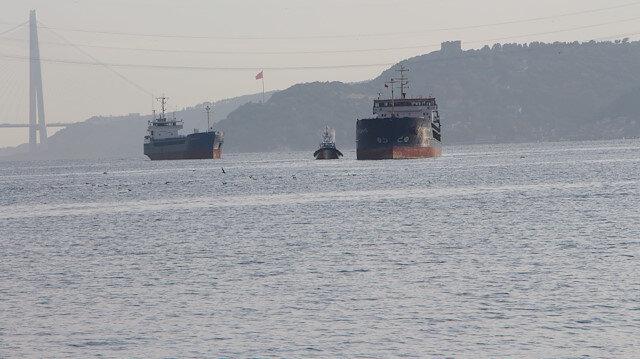 İstanbul Boğazı'nda Türk ve Rus bandralı iki yük gemisi çarpıştı