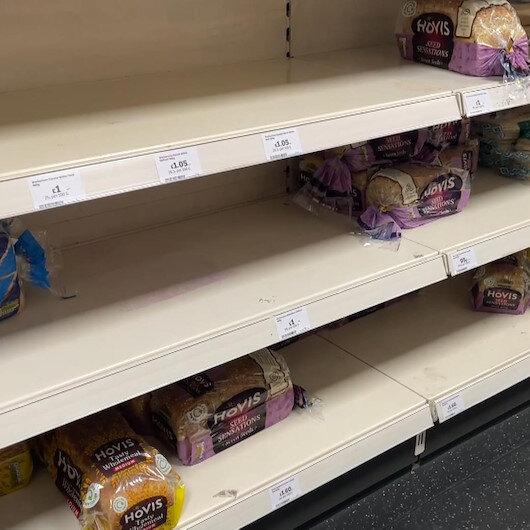 İngiltere'de tedarik sorunu: Marketlerde raflar boş kaldı