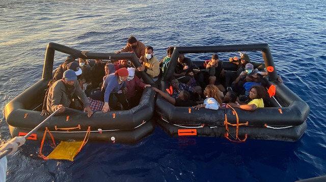 Yunanistan'ın ölüme ittiği 48 göçmen daha kurtarıldı