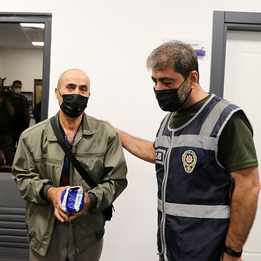 Yalovada minibüste unutulan 111 bin lirayı polis ekipleri buldu