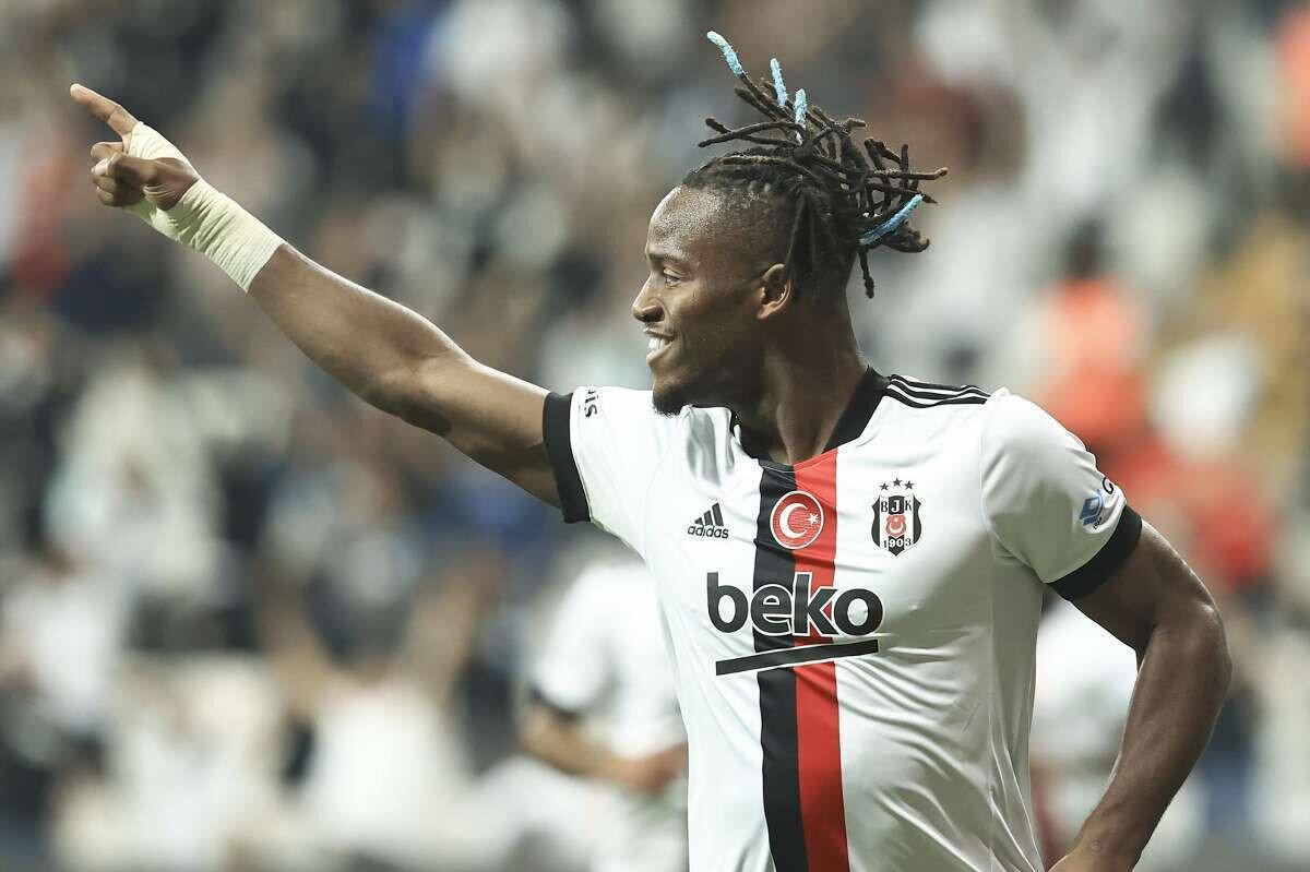 Batshuayi, Beşiktaş formasıyla çıktığı 6 maçta 3 gol atarken 1 de asist yaptı.