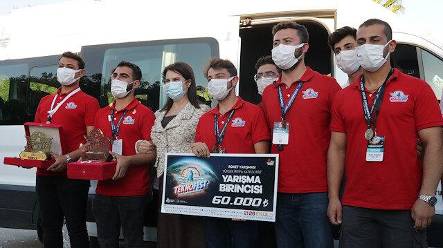 TEKNOFEST'te şampiyon olan roket takımı Adana'da davul zurnayla karşılandı