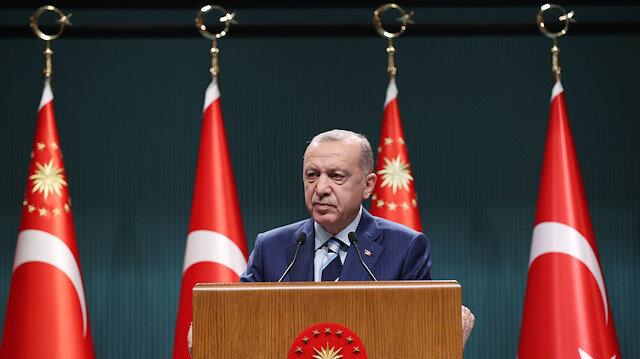 Cumhurbaşkanı Erdoğan: Parklarda bankta yatanların öğrencilikle ilgisi yok