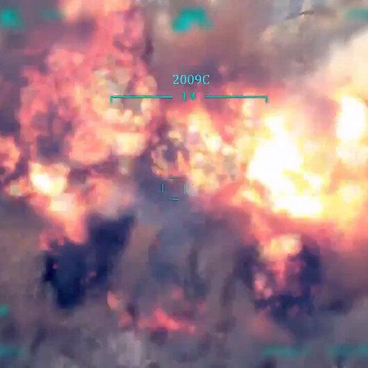 TSK nefes aldırmıyor: Garada 2 PKKlı teröristin nokta atışıyla etkisiz hale getirildiği anlar kamerada
