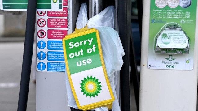 İngiltere'den yakıt sorununa çözüm: Askeri tanker sürücüleri göreve hazır