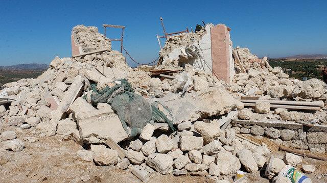 Girit'te depremin ardından 350'nin üzerinde binada hasar tespit edildi