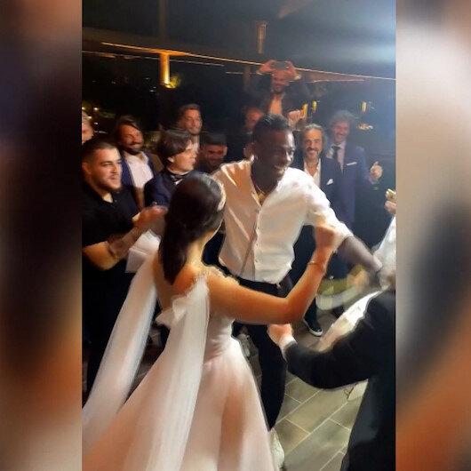 Mario Balotelliden düğünde çiftetelli şov