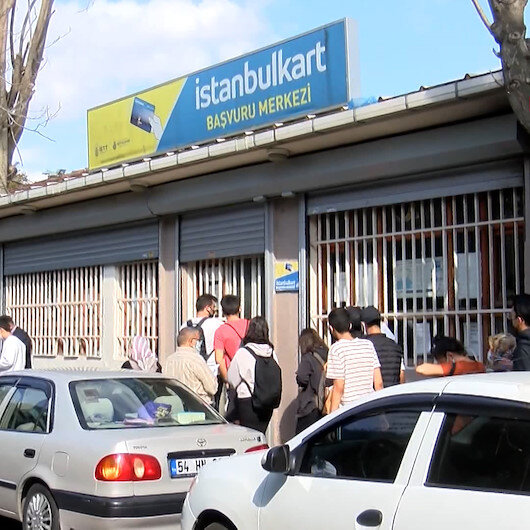 İstanbulda toplu taşımada İstanbulkart krizi yaşanıyor