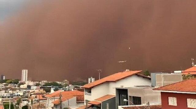 Brezilya'da korkutan kum fırtınası: Gökyüzünü toz bulutu kapladı