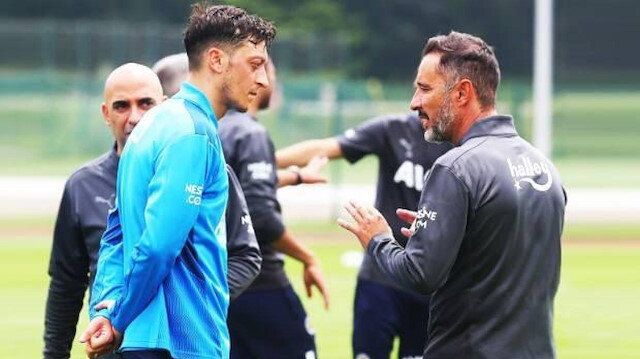 Vitor Pereira, Mesut Özil ile özel bir toplantı yaptı: Neden oynamıyor?