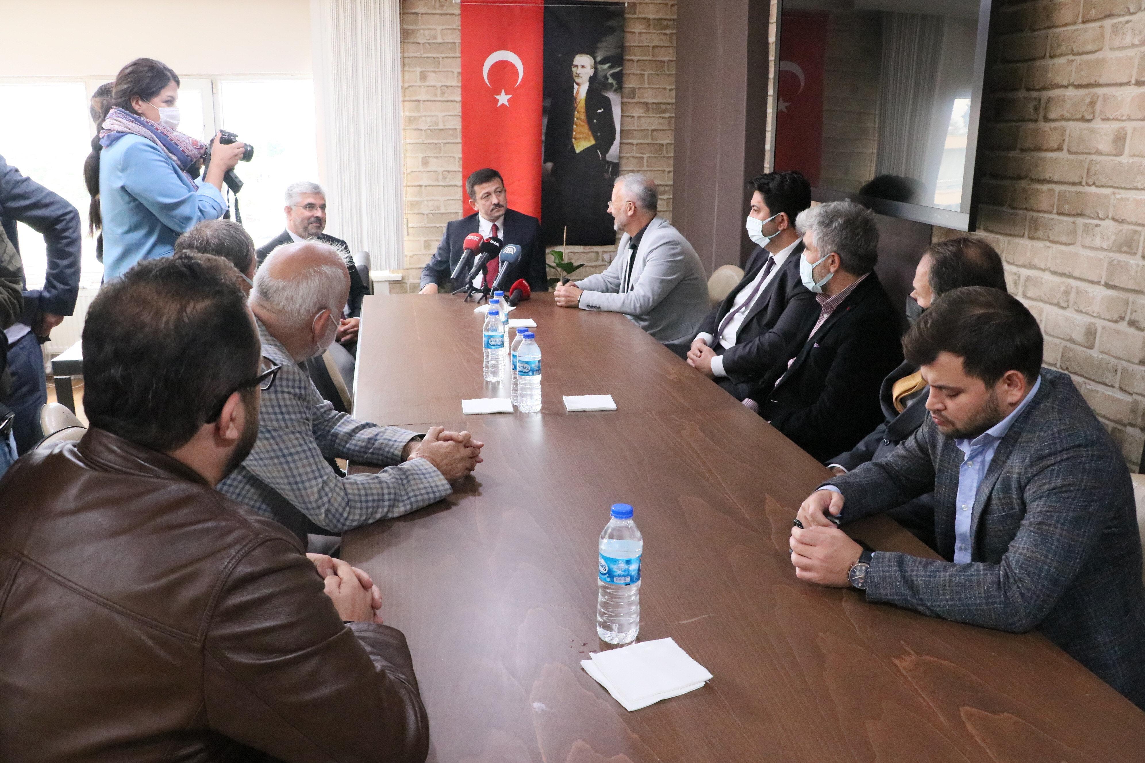 AK Parti Genel Başkan Yardımcısı Hamza Dağ, basın mensuplarıyla buluştu.