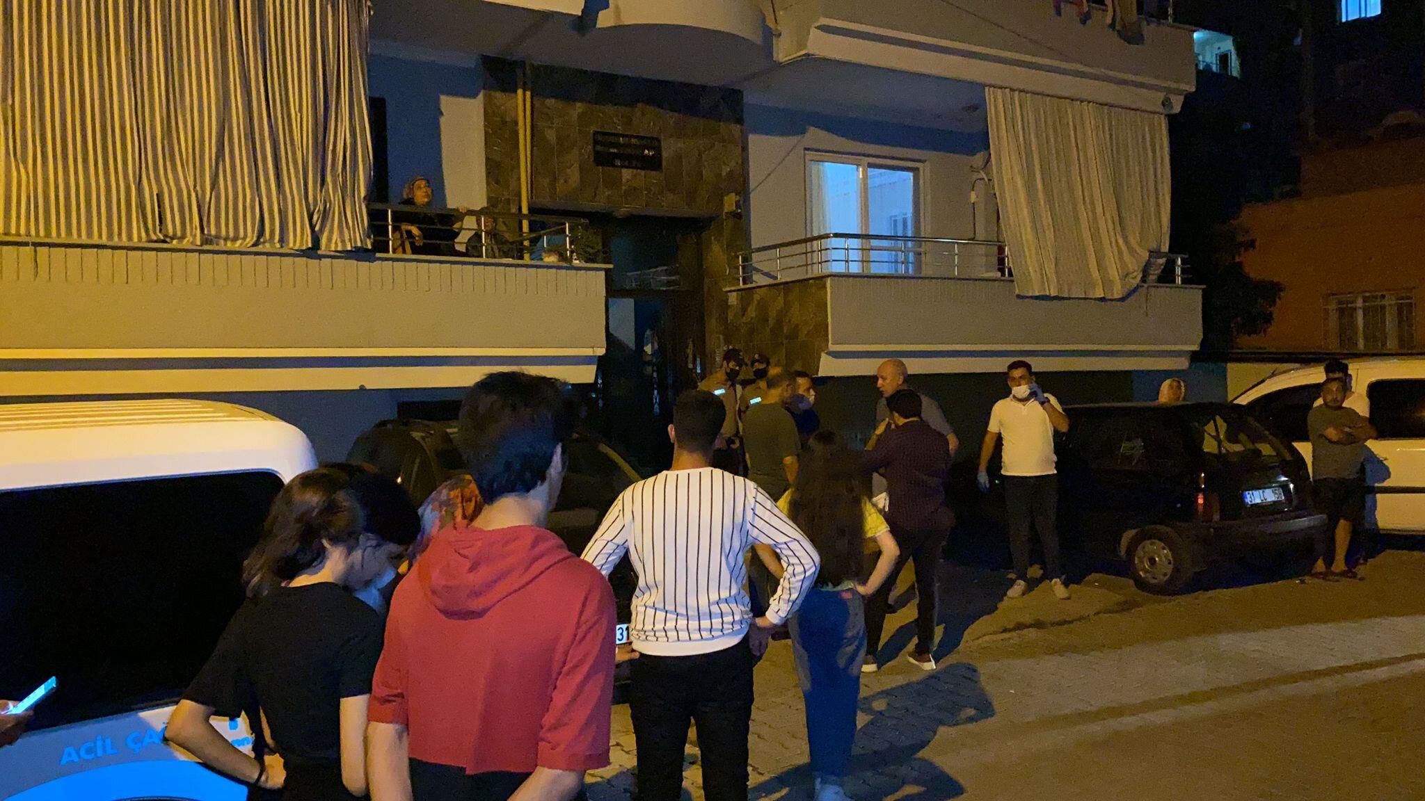 İskenderun'da anne ve iki çocuğu evlerinde ölü bulundu
