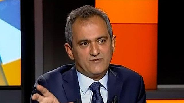 Milli Eğitim Bakanı Mahmut Özer'den ders saatleri açıklaması: Kalabalık sınıflarda süre azaltılabilir