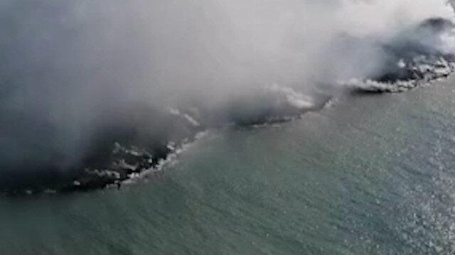 İspanya'da denize dökülen lavlar 25 futbol sahasından daha büyük alanı kapladı
