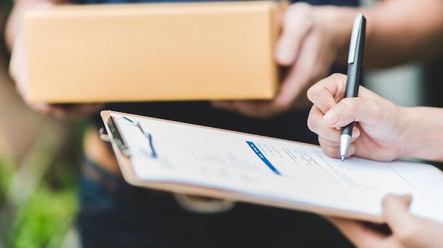 Dolandırıcıların yeni yöntemi: Sahte kargoyla senet imzalatıyorlar