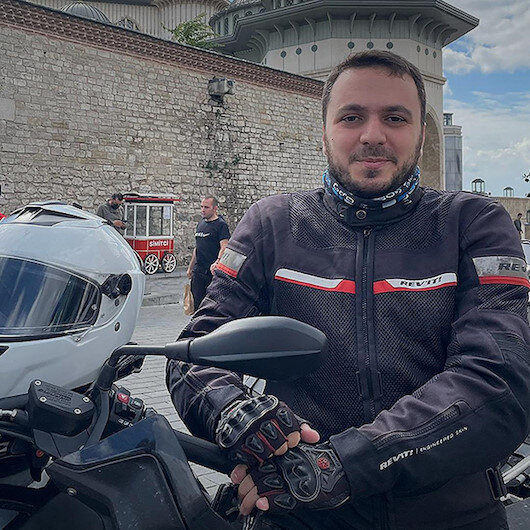 Taksim Camisinin imamı Abdullah Özkan motosiklet tutkusuyla ilgi odağı oluyor